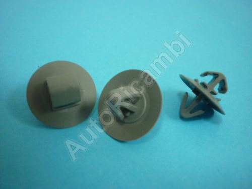 Protective trim clips Iveco Daily - pins directly to each other (sada 10ks)
